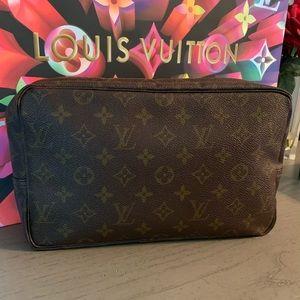 Vintage Louis Vuitton Trousse 28